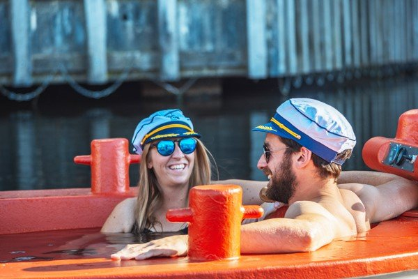 Skuna Hot Tug Boat Guided Tour for Two in Central London