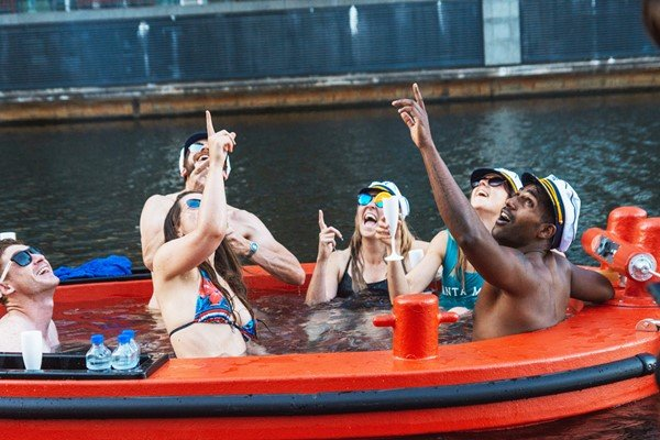 Skuna Hot Tug Experience for up to 7 People in Central London