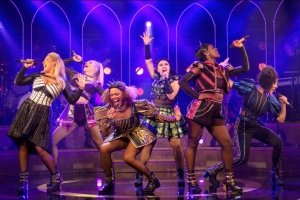 The West End cast of SIX - photo by Eleanor Howarth