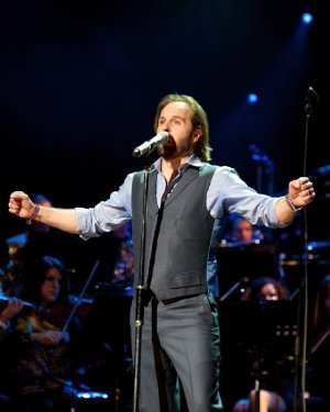 Alfie Boe - Credit Chris O'Donovan Photography