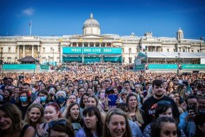 Crowds at West End LIVE 2021
